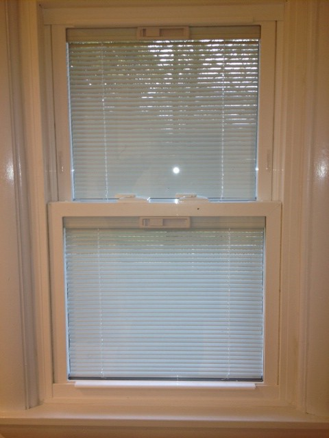 Window with inside blinds